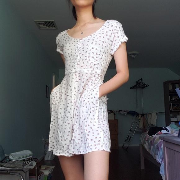 H&M Dresses & Skirts - H&M Scoop Neck Swing Dress